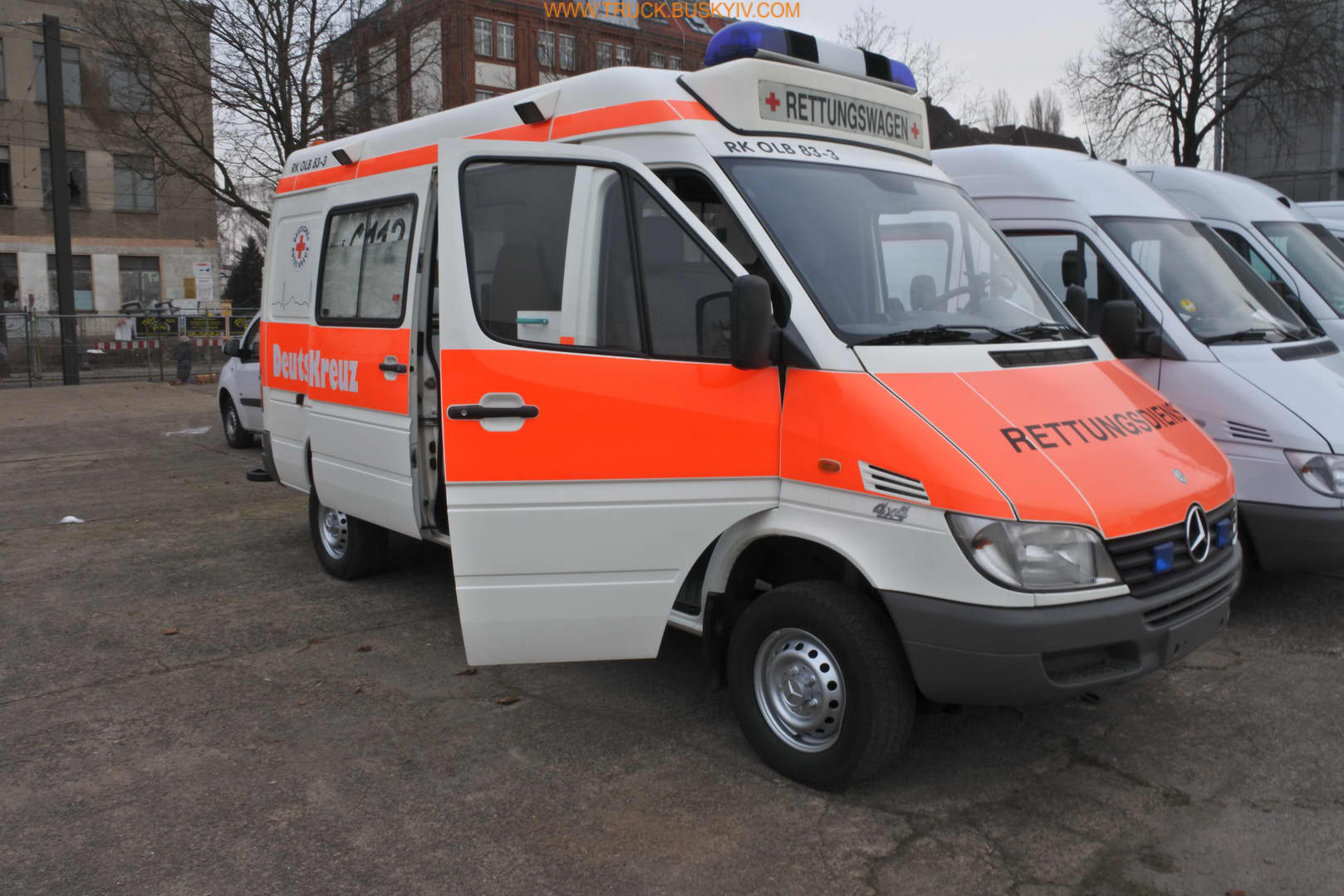 2002_mb_spr316_ambulance_1