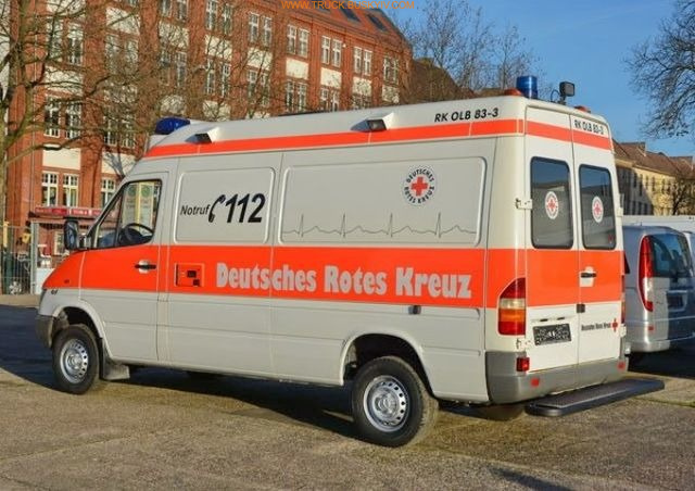 2002_mb_spr316_ambulance_8